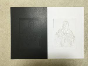 マツコ・デラックスの黒い切り絵と白い切り絵を同じ色の背景に置いたところ